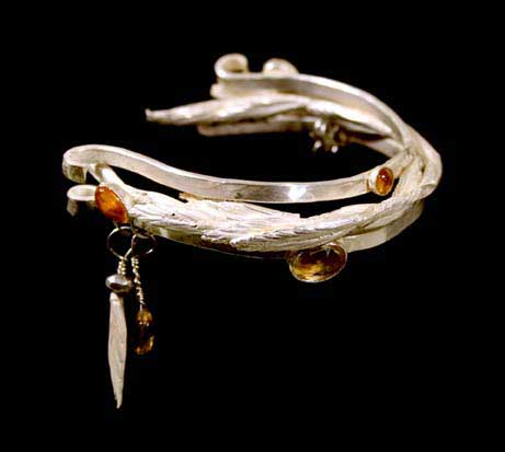 Apache Grass bracelet by Kathleen Carricaburu